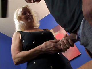 Бабушки в работе порно