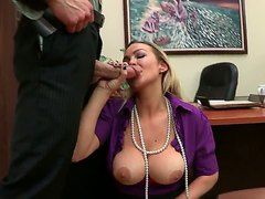 Секс кастинг в офисе