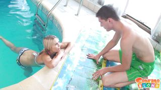блондинки в бане порно